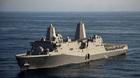 Tàu hải quân Mỹ cập cảng Cam Ranh