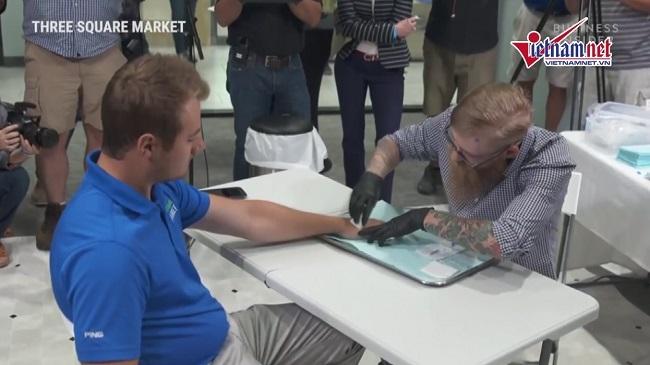 Mỹ: Nhân viên đồng ý để công ty cấy chip vào tay