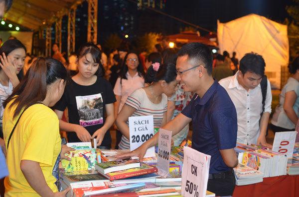 Bàn về văn hóa đọc với nhà thơ Trần Đăng Khoa