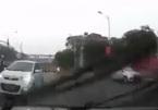 4 sai lầm nguy hiểm thường mắc phải khi đi xe máy trong mưa