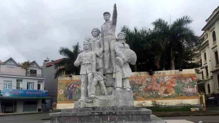 Đổ tượng đài ở Bắc Kạn, 1 bé trai bị thương