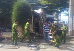 Húc văng xe máy, đầu kéo container lao vào cột điện, tài xế tử vong