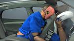 Người ngồi sau không thắt dây an toàn nguy hiểm đến mức nào?