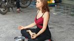 Cô gái Nga xinh đẹp ngồi thiền ở Phú Quốc có thể bị trục xuất
