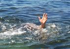Chị em sinh đôi cùng bạn học chết đuối ngay trước nhà