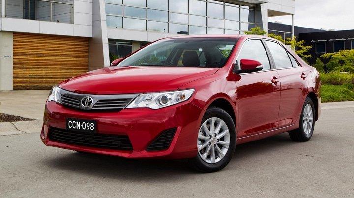 Toyota giảm giá 'sấp mặt' tháng 8, khuyến mại hơn 100 triệu đồng