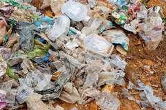 Hà Tĩnh kết luận vụ chôn rác thải y tế ở vườn cán bộ xã