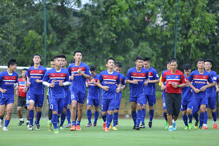 U22 Việt Nam, HLV Hữu Thắng, Công Phượng, U22 Thái Lan