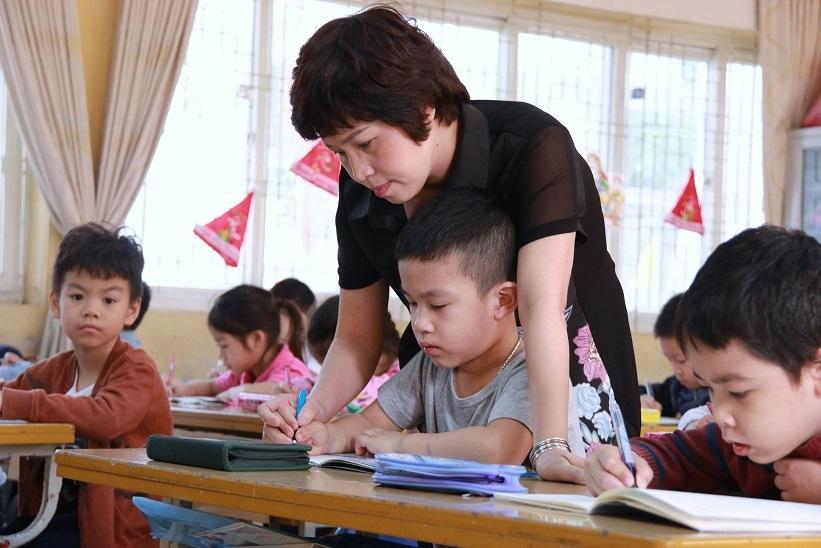 'Chuẩn giáo viên mới cần chuẩn tiền lương mới'