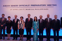 Bữa trưa riêng của ngoại trưởng và đồng thuận ASEAN