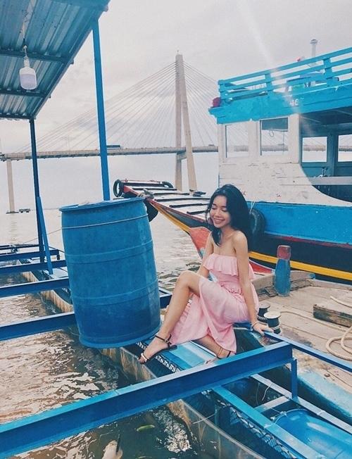Elly Trần, làng sao