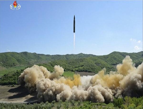 Tổng thống Trump: Giải pháp quân sự chống Triều Tiên đã 'lên đạn'