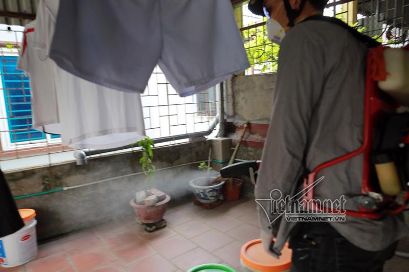 Hà Nội sẽ cưỡng chế nhà hoang, phun thuốc diệt muỗi