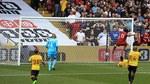 Liverpool tuột chiến thắng sau màn rượt đuổi nghẹt thở