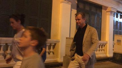 Đạo diễn Christopher Nolan của bom tấn The Dark Knight du lịch Sài Gòn