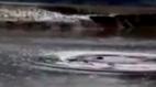 10 clip 'nóng': Quái vật bí ẩn xuất hiện ở hồ nước tại Trung Quốc