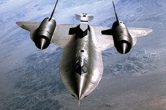 Máy bay siêu đẳng không tên lửa nào bắn trúng