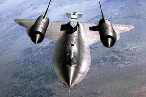 Máy bay siêu đẳng không tên lửa nào bắn trúng - ảnh 1