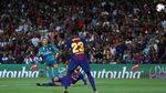 Xem Ronaldo vẽ siêu phẩm vào lưới Barca