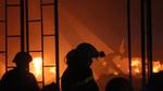 Hàng trăm cảnh sát trắng đêm dập lửa tại công ty may ở Sài Gòn