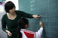 Việt Nam đang thừa giáo viên?