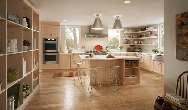 Sàn bếp ở chung cư nên làm sàn gỗ hay lát gạch men là tốt nhất?