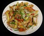 Thịt gà xào khoai tây thơm lừng