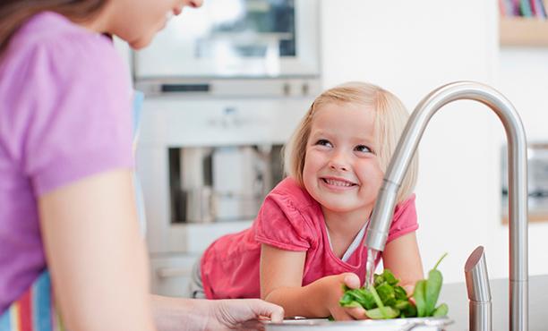Những câu nói quen thuộc cha mẹ không nên nói với con