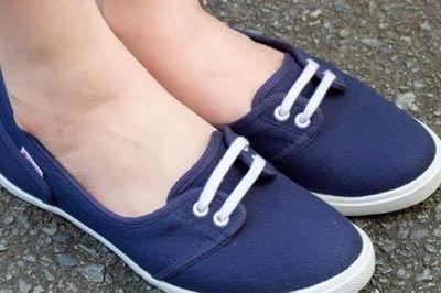 Mẹo vệ sinh giày vải như mới hiệu quả