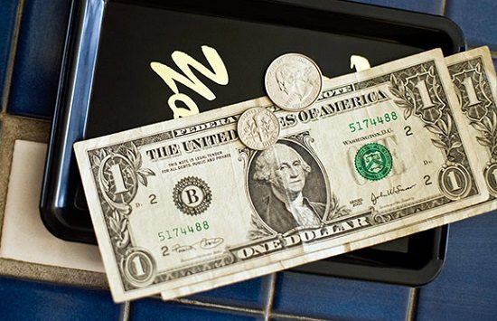 trả tiền tip, nhà hàng, quán ăn