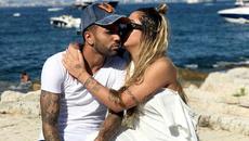 """""""Dựa hơi"""" anh trai, em gái Neymar sang Pháp tình tứ cùng bồ"""