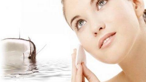 Công dụng của nước dừa trong làm đẹp bạn biết chưa?