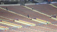 """CĐV Malaysia """"bỏ rơi"""" đội nhà ngày khai màn SEA Games"""