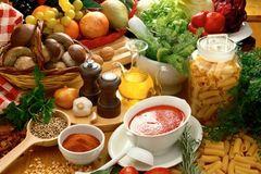 Người bị rối loạn tiền đình cần kiêng ăn gì?
