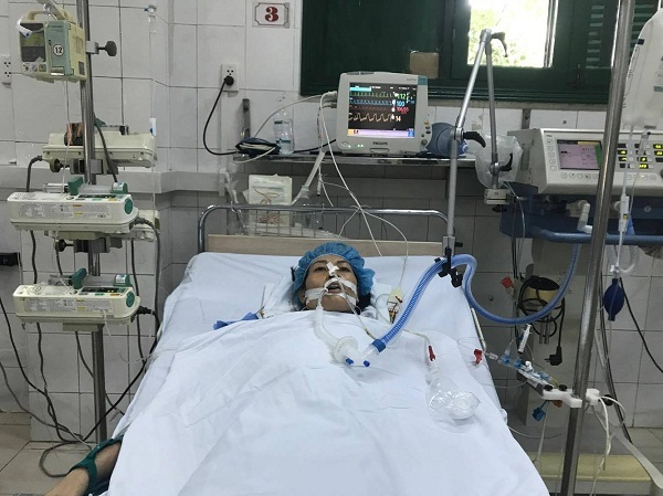 Vợ mắc bệnh tim cần phẫu thuật, chồng không có đồng xu dính túi