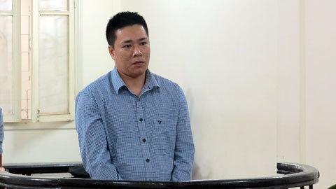 Hà Nội: Giết em trai rồi nói mẹ đi báo công an