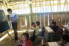 Giáo viên Mường Lát xin chuyển về xuôi trước năm học mới