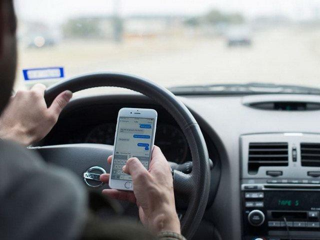 Giới trẻ Việt thường mất tập trung khi lái xe