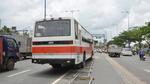 5 xe tải và xe biển đỏ tông nhau, dính chùm trên đại lộ ở Sài Gòn