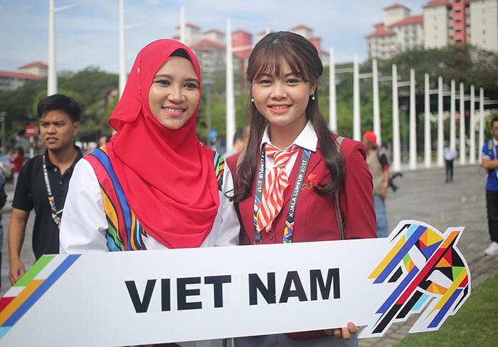 Nữ MC gây sốt ở đoàn TTVN tại SEA Games 29