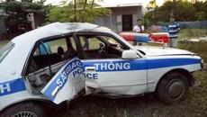 Xe cảnh sát lật nhào: Khởi tố đối tượng bỏ chạy