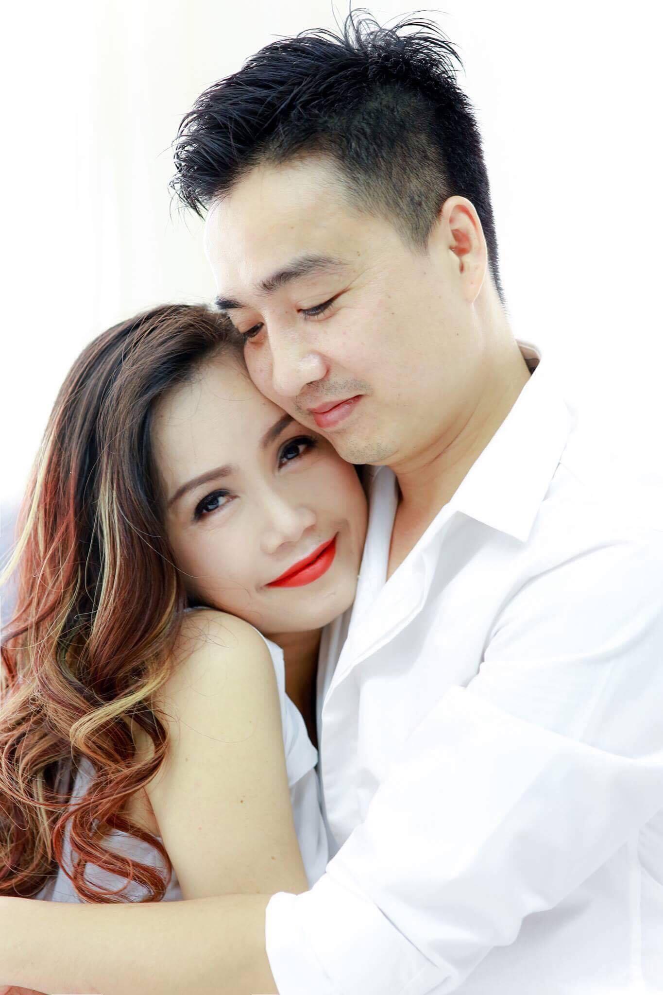 Diễn viên Hoàng Yến hạnh phúc bên chồng thứ 4 kém 3 tuổi