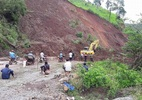 Điện Biên: Sạt lở lớn quốc lộ 12, một huyện bị chia cắt hoàn toàn