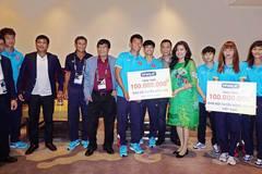 """U22 Việt Nam nhận thưởng """"nóng"""" trước cuộc đua bàn thắng"""
