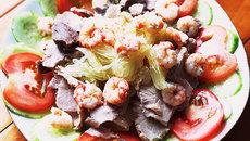 Khai vị với món salad tôm bưởi chua ngọt cực kỳ thanh mát
