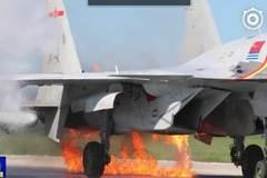 Chiến cơ Trung Quốc bị chim 'loại khỏi vòng chiến'