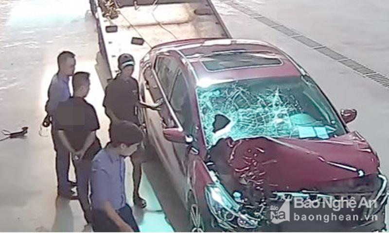 Cán bộ ngân hàng lái ô tô đâm cháu bé tử vong rồi xóa hiện trường