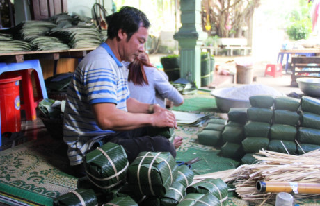 làng tỷ phú, Nghệ An, xuất khẩu lao động, làm giàu, hải sản, cam Vinh