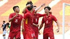 """Công Phượng """"lên đồng"""", U22 Việt Nam đá bay Campuchia"""
