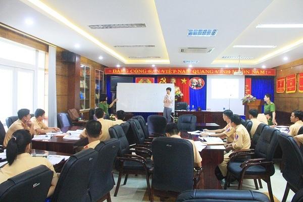 cảnh sát giao thông, CSGT Đà Nẵng, APEC, tiếng Anh